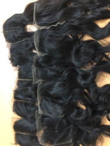 Wavy lace closure