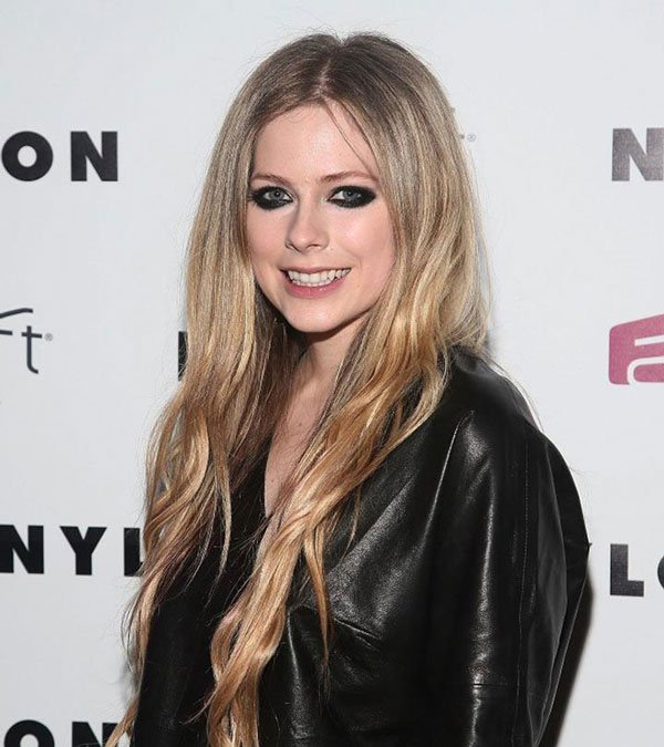 How Unrecognizable Avril Lavigne No Makeup Is Update 2020