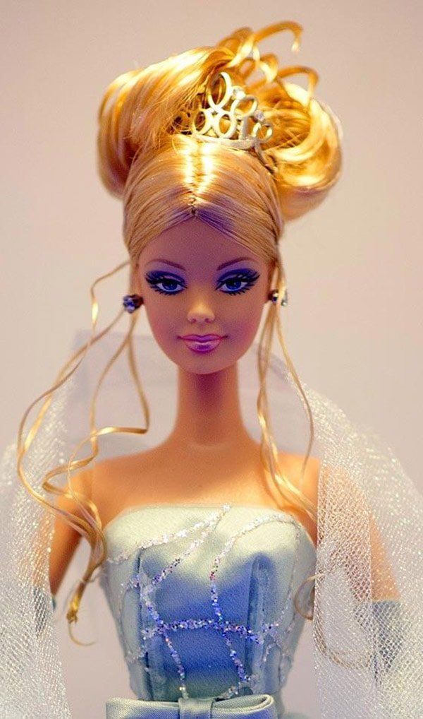 Cute hairstyles for barbie dolls with long hair that girls ...